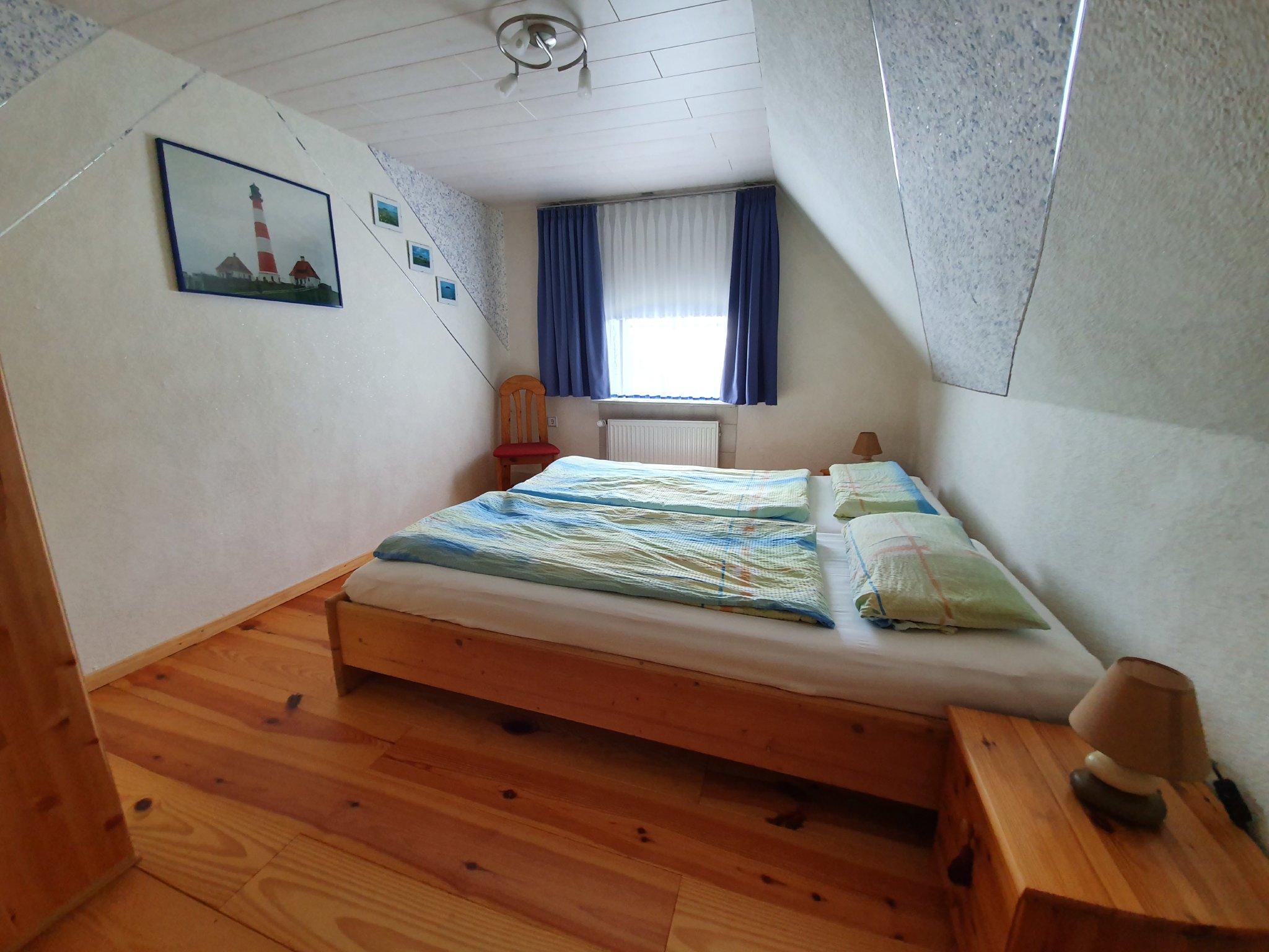 Schlafzimmer; Eltern