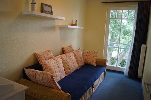 Schlafzimmer mit Doppelschlafcouch