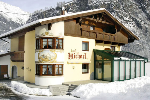 'Haus Michael' im Winter