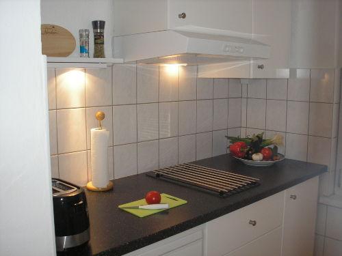 Linke Küchenzeile mit Ceranfeld