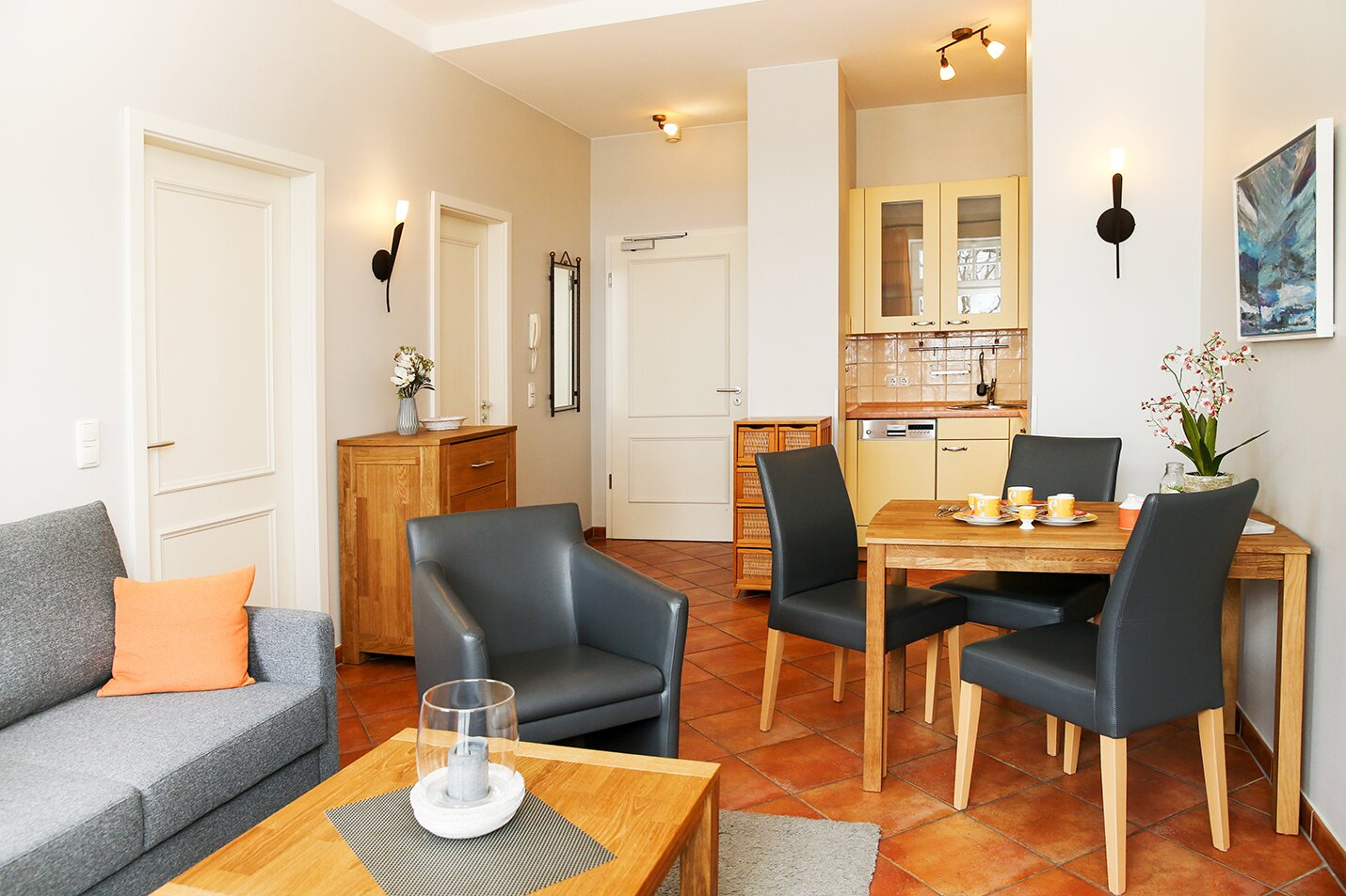 Küchenbereich und Essecke