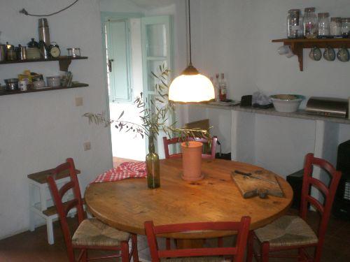 Küche mit Übergang zum Wohnraum