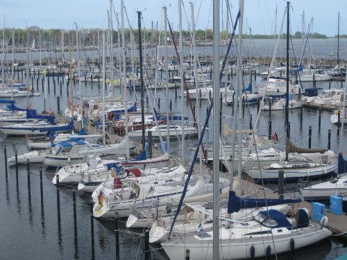 Die Bootsanleger direkt am Olympiahafen