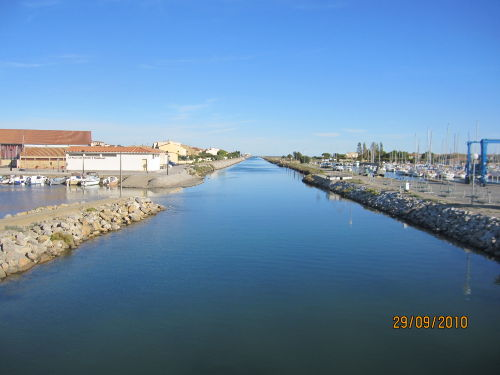 Der Kanal beim Hafen von Gruissan