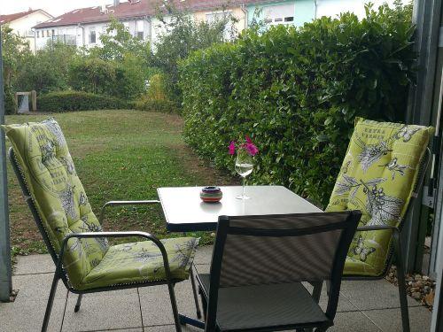 Terasse und eigener Garten