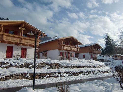 Häuserzeile im Winter