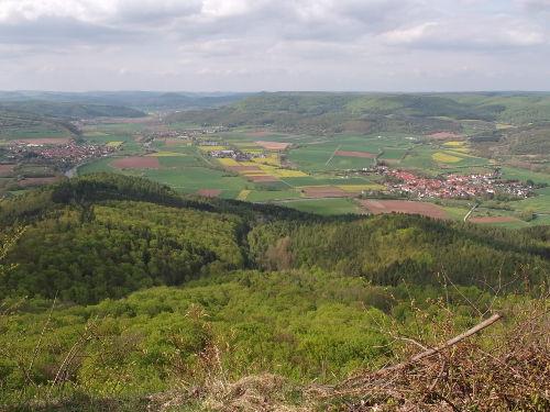 Blick vom Heldrastein ins Werratal