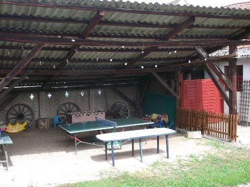 Spielhalle mit Kicker,Tischtennisplatte