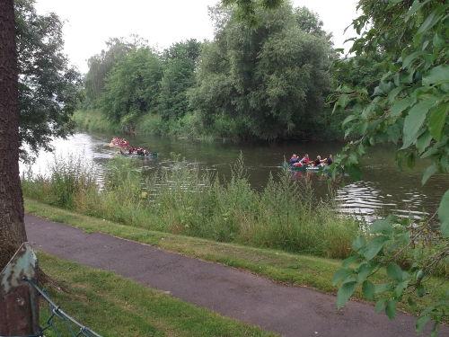 Bootsfahrt direkt hinter unserem Garten