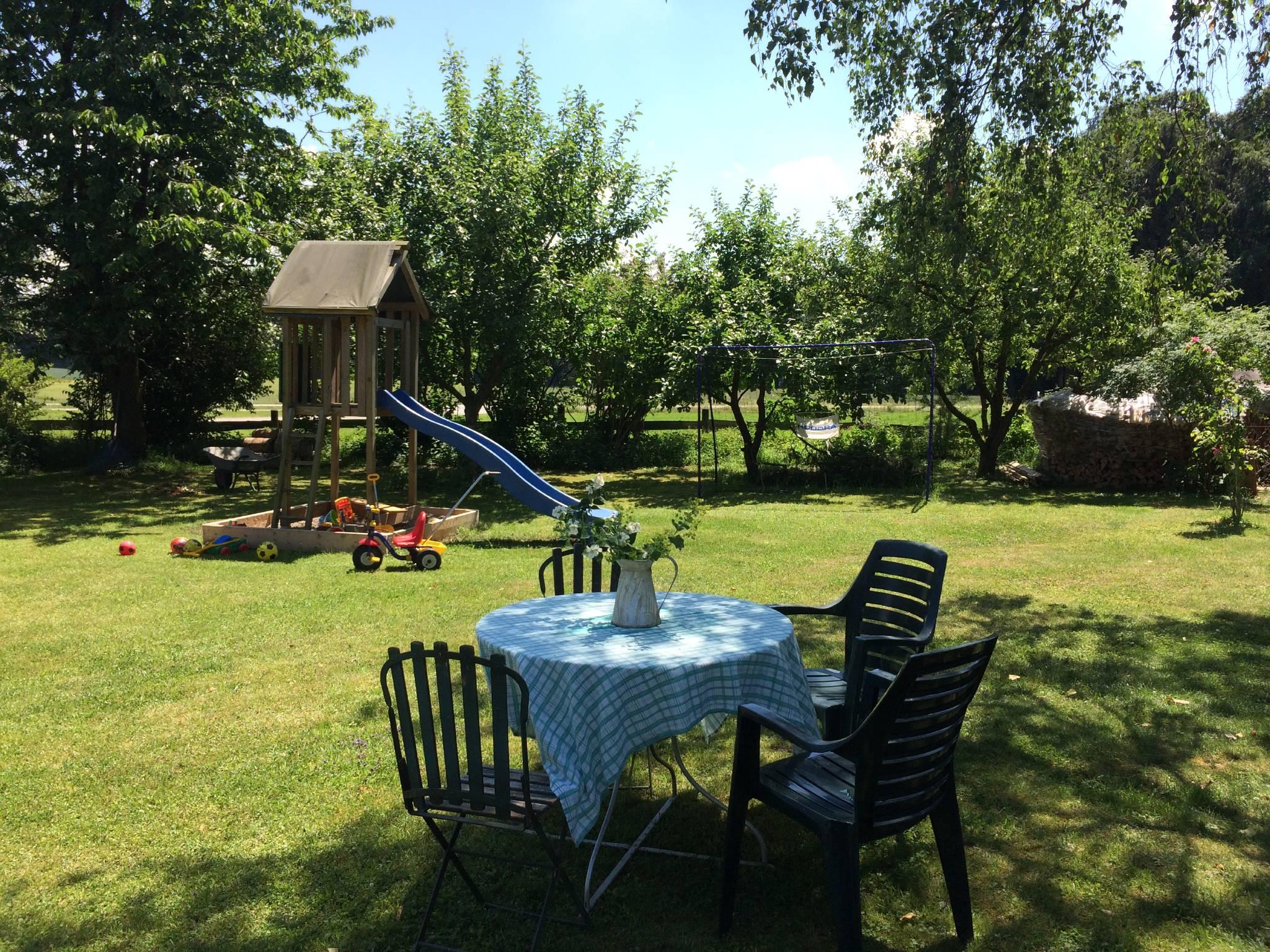 Garten / Spielwiese