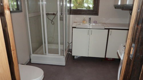 2. Bad mit Waschmaschine und Trockner