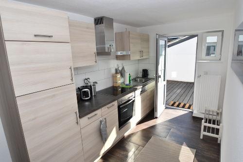 Küche mit Außenbereich
