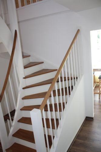 Treppe zum Wohnbereich