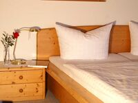 Gästehaus Motz, Dreibettzimmer mit Dusche und WC in Ringsheim - kleines Detailbild