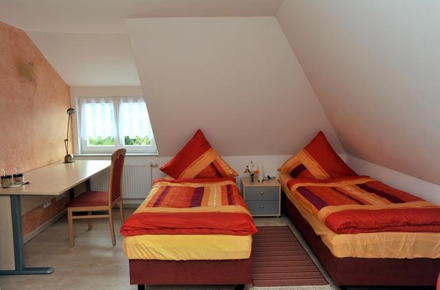 Ferienhaus 'Am Bromberg', Ferienzimmer 'Sonneberg'