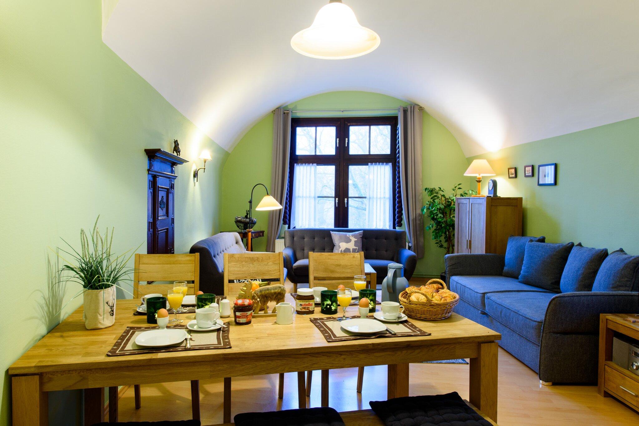 Burggraf Wohnzimmer mit Schrankbetten