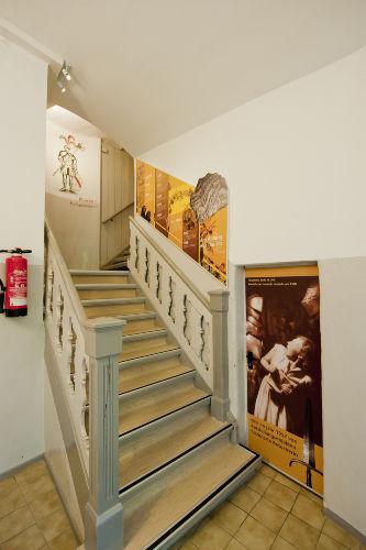 Treppen zu den Ferienwohnungen & Museum