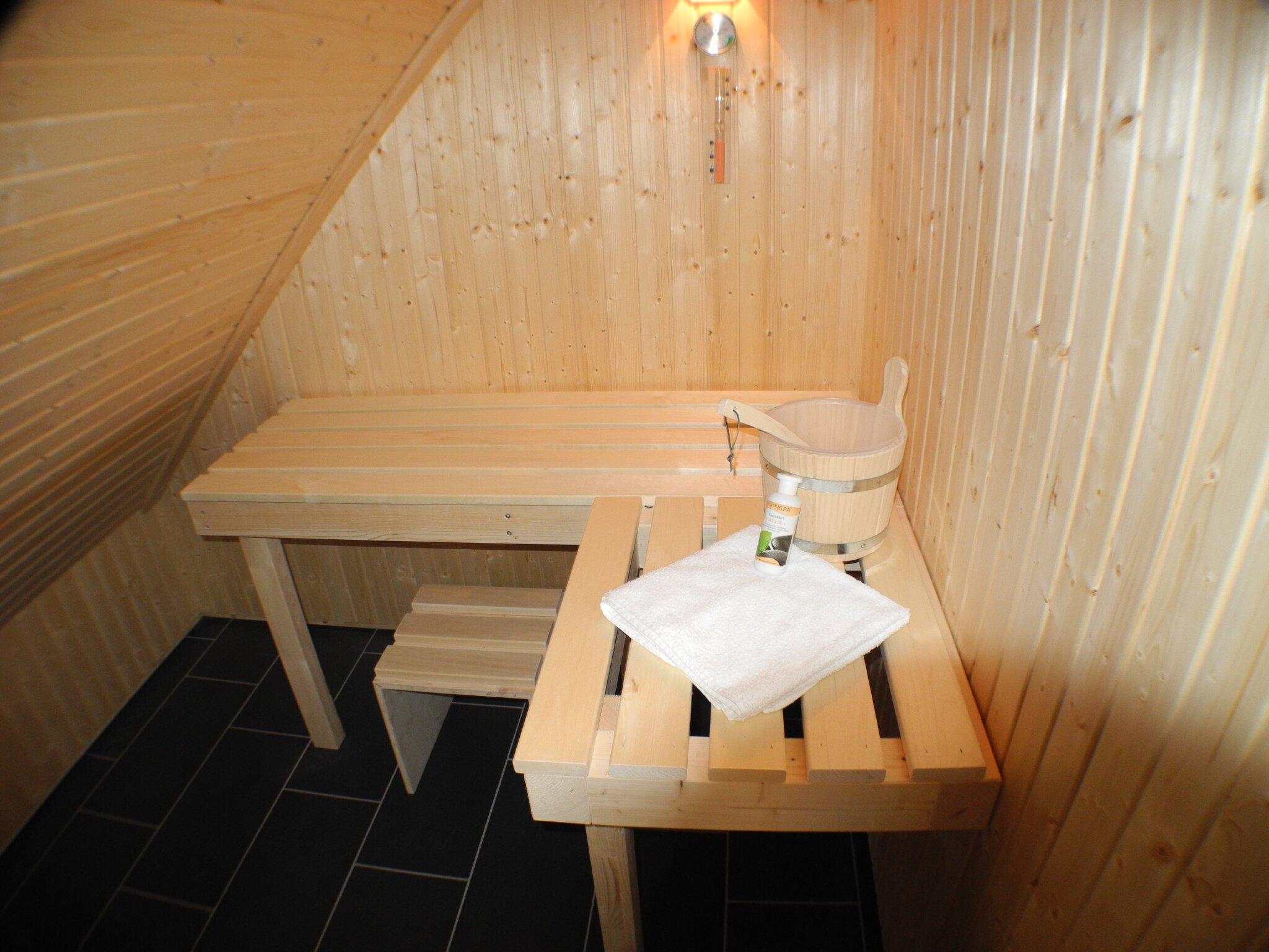 ...und Sauna.