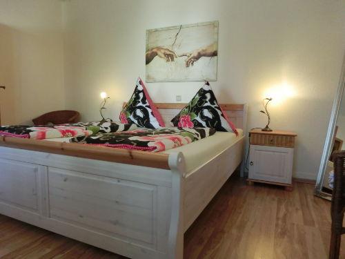 Schlafzimmer Wohnung Riesling