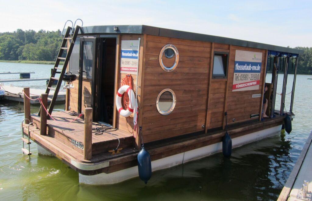 Hausboot Floß fahren in MV mit dem Typ D7, D7-1