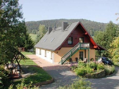 unser Ferienhaus mit 3 Ferienwohnungen
