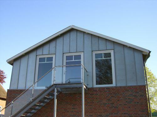 Eingangsbereich und Wohnzimmerfenster