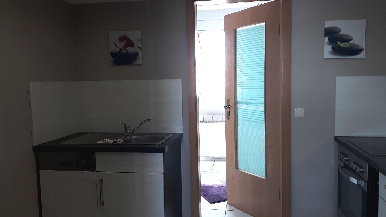 Das Schlafzimmer, mit Blick zum Balkon
