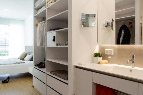 Begehbarer Schrank, Bad-Schlafzimmer