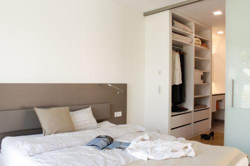 Begehbarer Schrank, Schlafzimmer-Bad