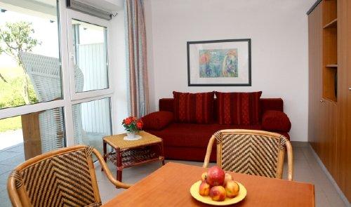 Wohn- Eßzimmer / Raumteiler / Doppelbett