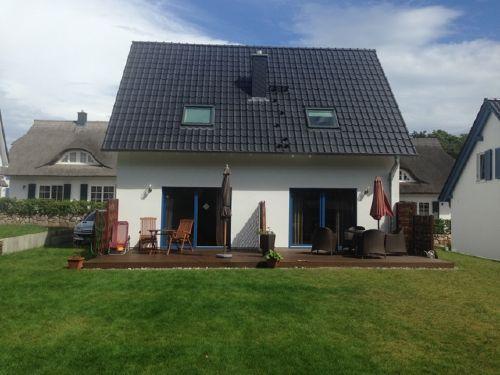 Terrassenbereich und Wiese
