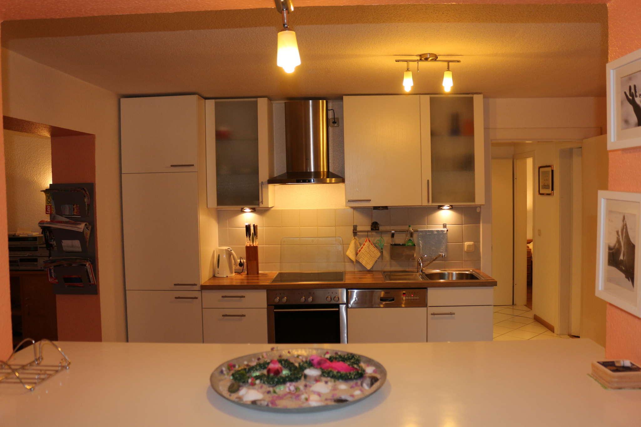 Küche mit 1a Einbaugeräten