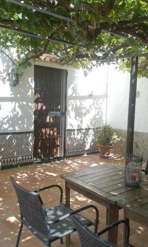 Terrasse mit Blätterdach - Finca Lamuela