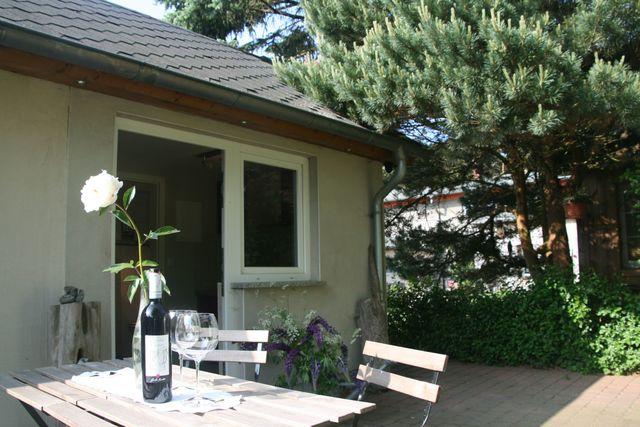 landhaus nahe ostseebad k hlungsborn gartenbungalow mit. Black Bedroom Furniture Sets. Home Design Ideas