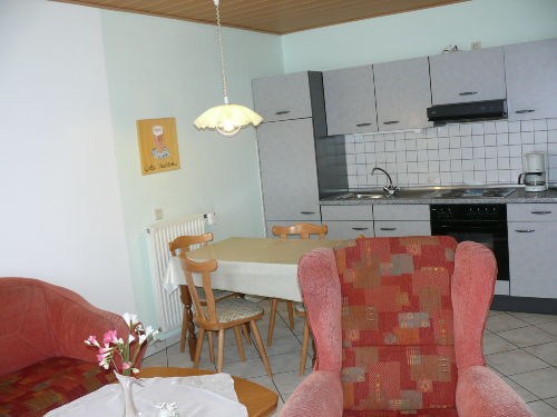 Blick in Küchenbereich Fewo Ober
