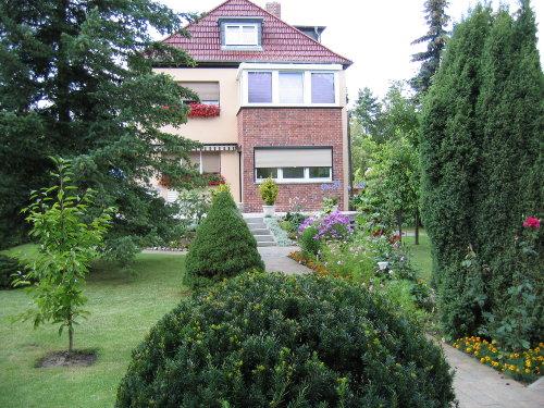 Wohnhaus mit Dachwohnung