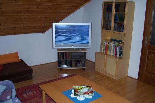 TV Zimmer erstes OG