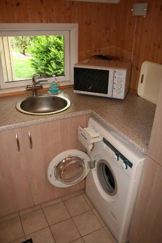 Die Vorküche mit Waschmaschine
