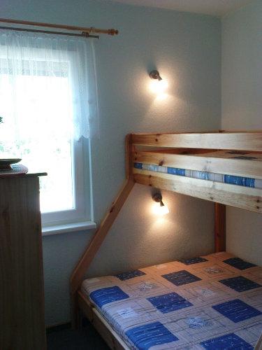 1. Schlafzimmer mit Etagenbett 1,4 x 2 m