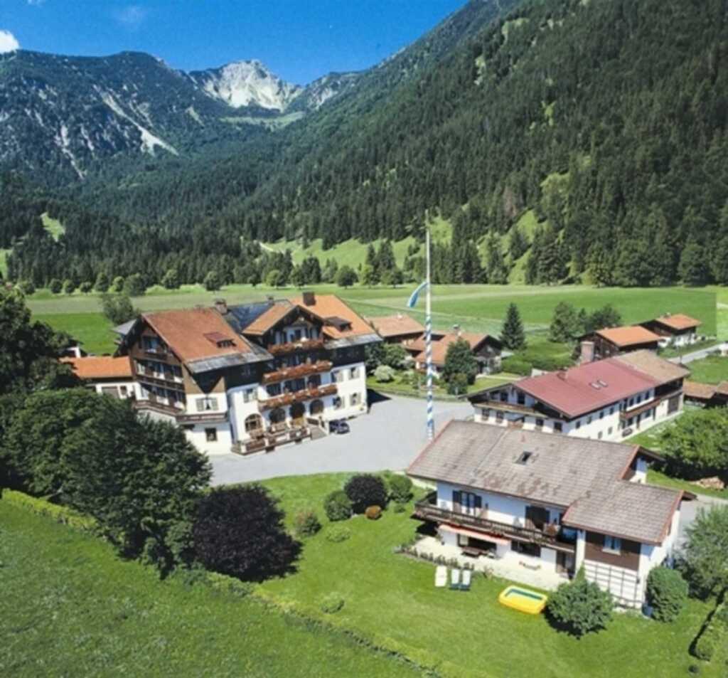 gasthof hotel rote wand doppelzimmer in bayrischzell bayern objekt 93265. Black Bedroom Furniture Sets. Home Design Ideas