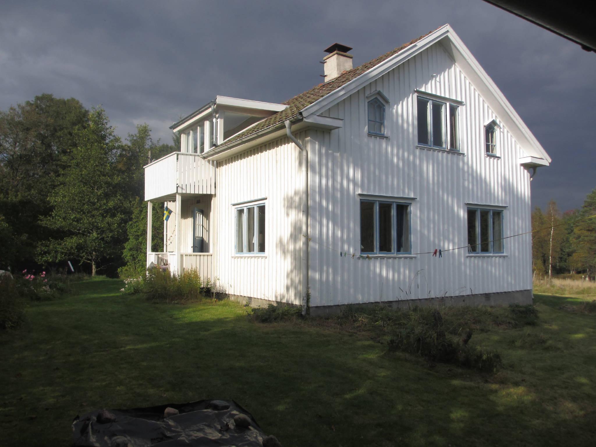 Sauna und Wohnhaus am See