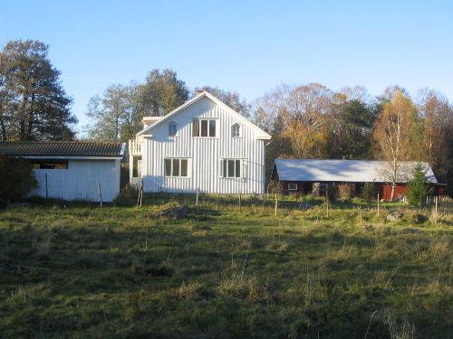 Carport Wohnhaus, Scheune von Süden