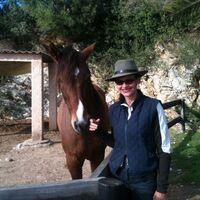 Vermieter: Vermieterin Daniela mit spanischem Pferd