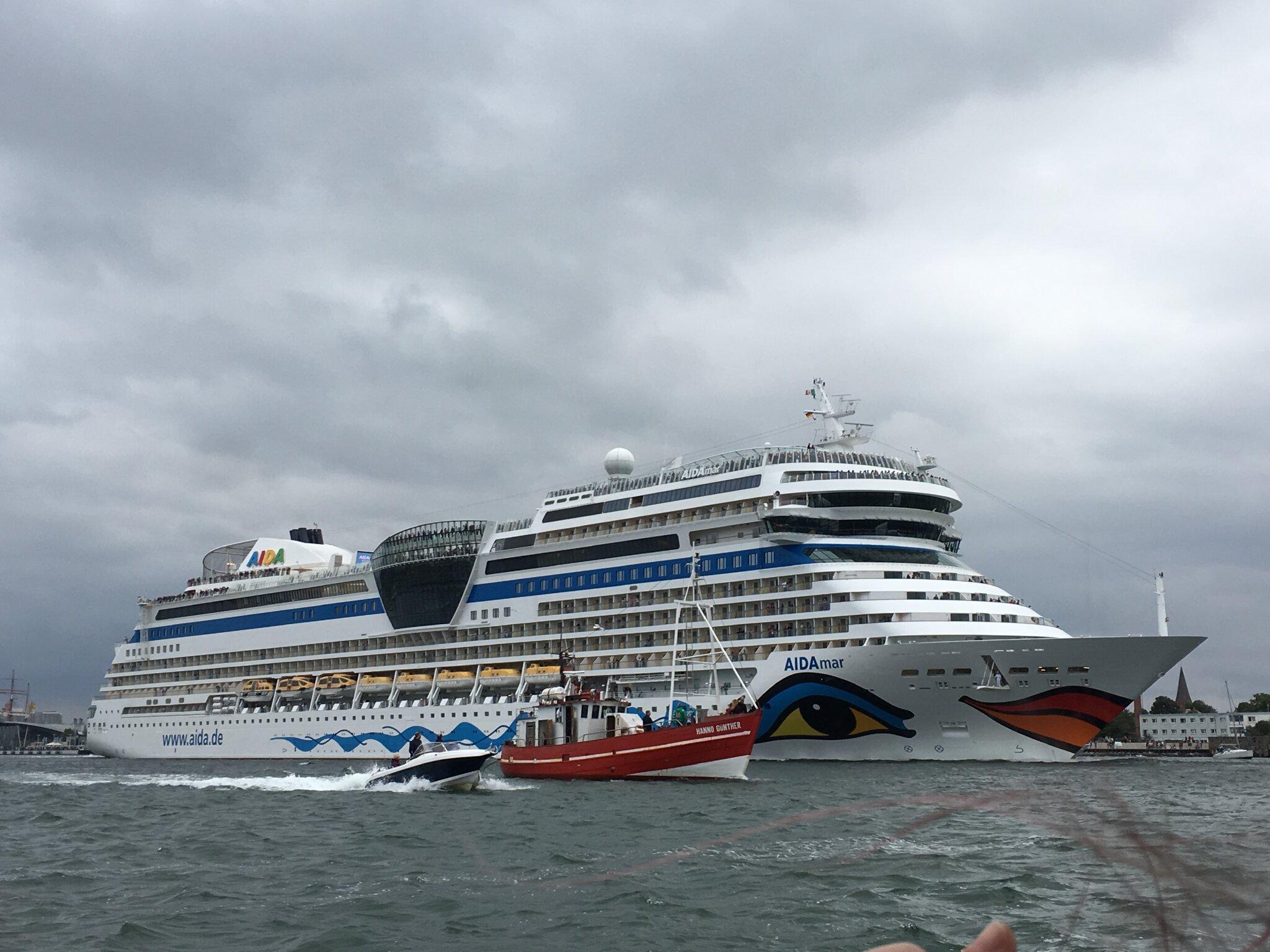 j�hrliche Hanse Sail in Rostock