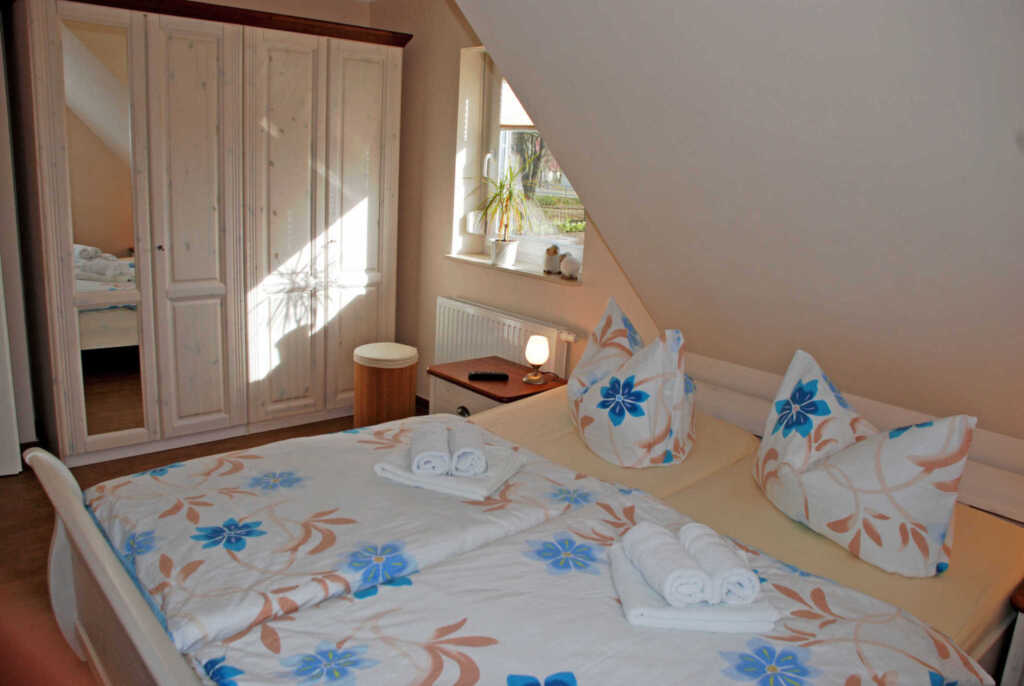 Ferienhaus mit sauna und kamin in sellin ostseebad for Sellin ferienhaus