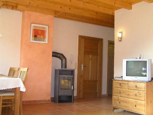 Eingangsbereich mit Kaminofen
