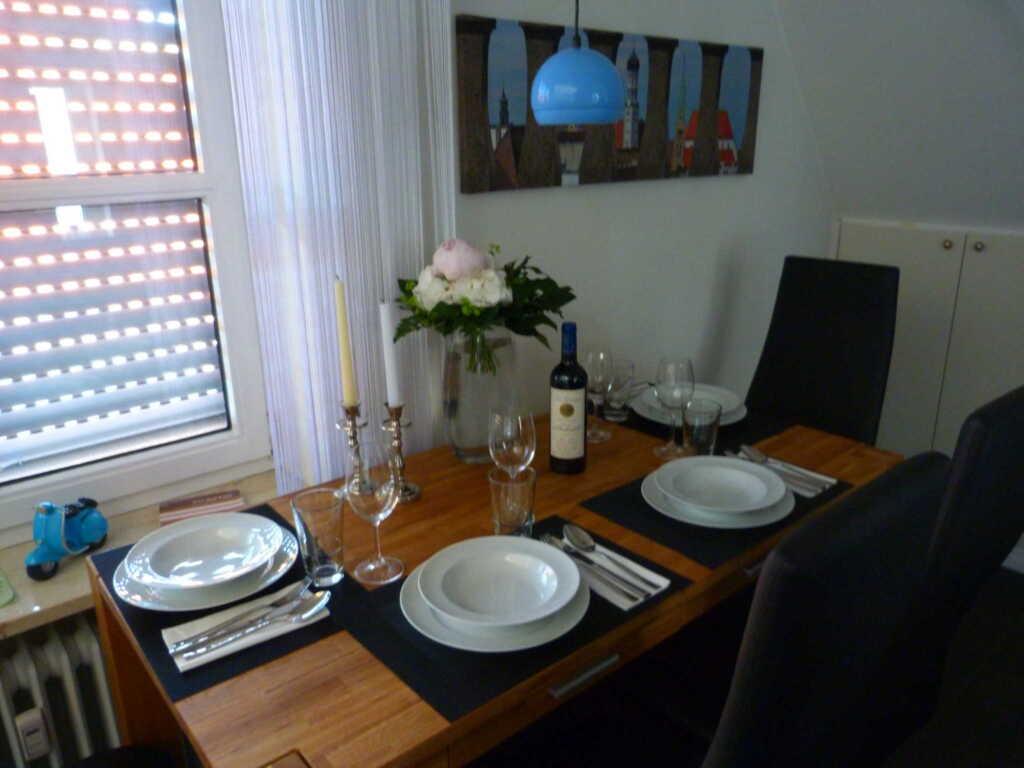 zirbelnuss fewo zirbelnuss in augsburg bayern objekt 96135. Black Bedroom Furniture Sets. Home Design Ideas
