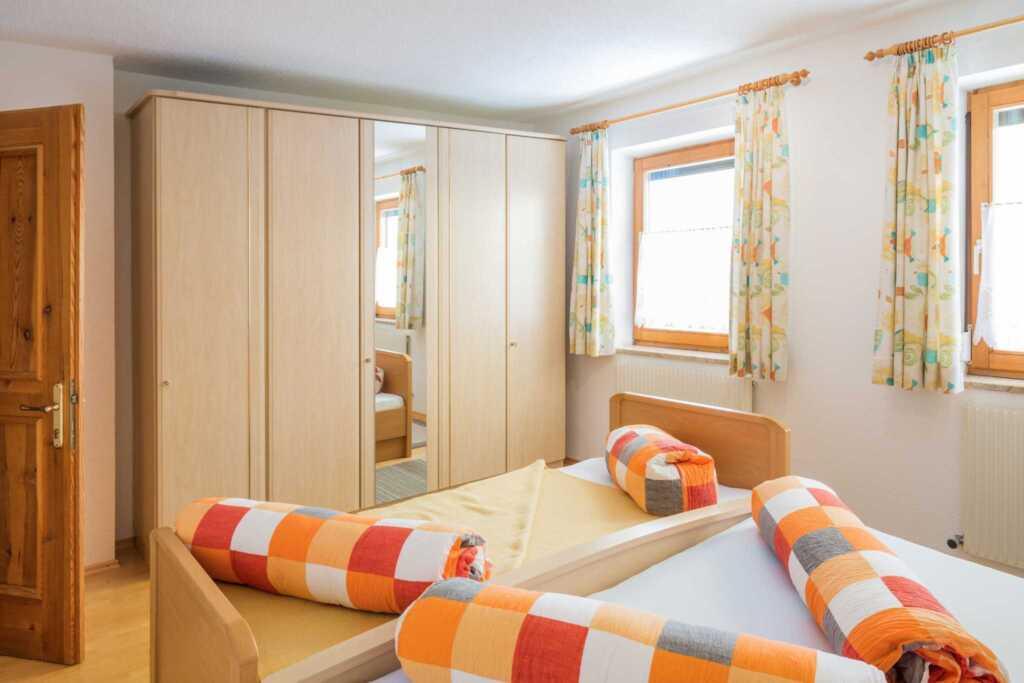 haus hildegard ferienwohnung f r 2 5 personen 1 in grins tirol objekt 96285. Black Bedroom Furniture Sets. Home Design Ideas