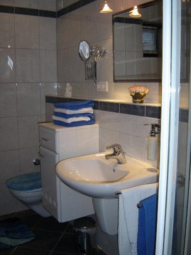 Moderne Dusche.