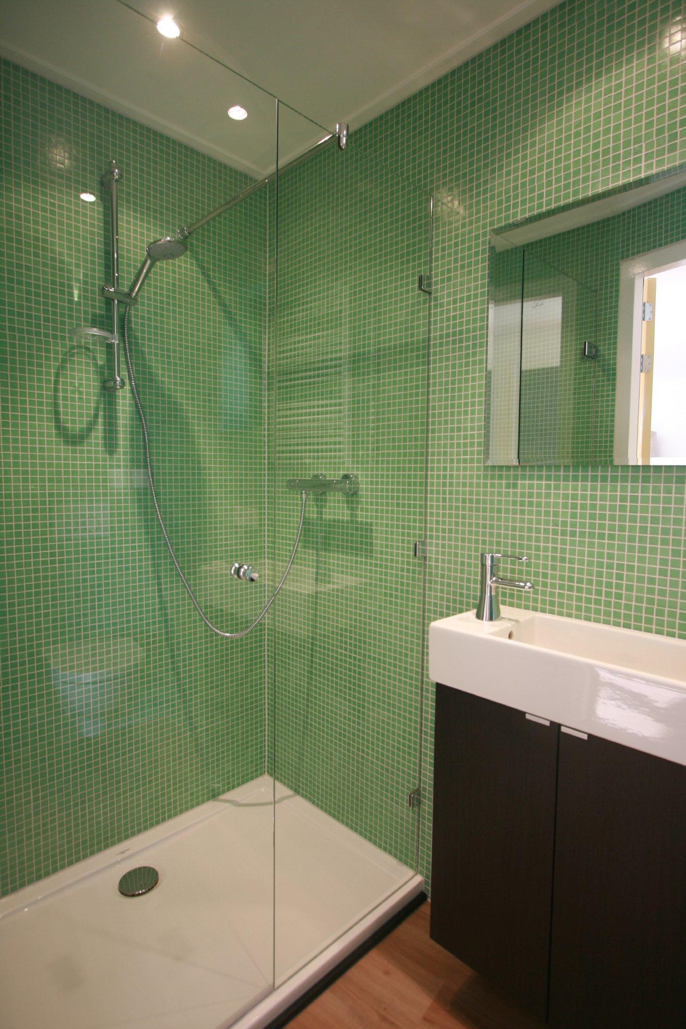 Neue Badezimmer mit Dusche